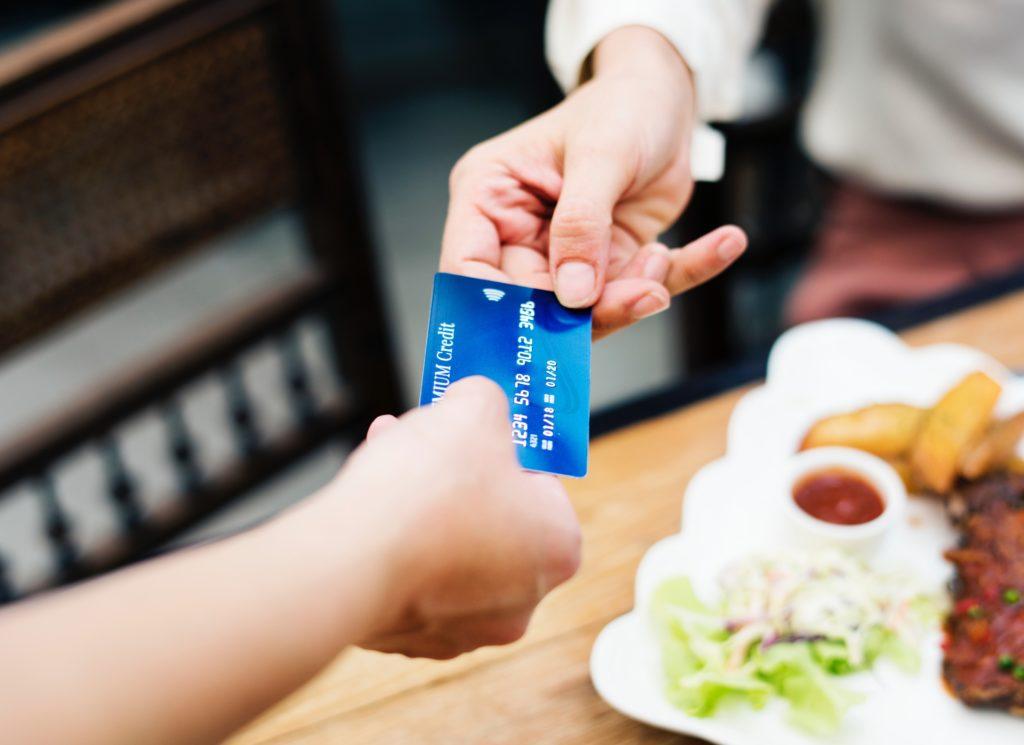 クレジットカードの管理を制する者は「お金の管理」を制す